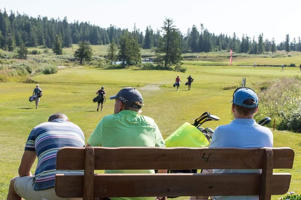 golf_1200x800-min